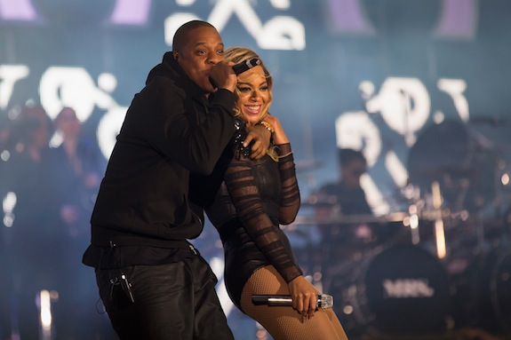 Jay-Z Cameos During Beyonce Performance At 'Chime For Change' Concert