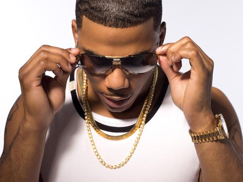 """Nelly Responds to Floyd Mayweather With """"Thanks to My Ex"""""""