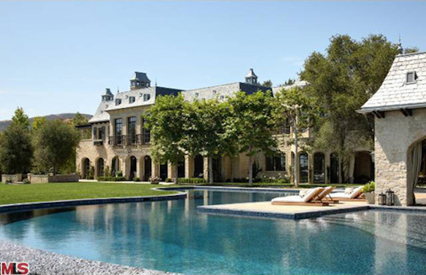 Dr. Dre Is Buying Tom Brady and Gisele Bundchen's $50 Million Dollar, 18,700-Square-Foot Mansion