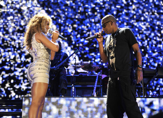"Jay Z and Beyoncè Kick Off ""On The Run"" Tour"
