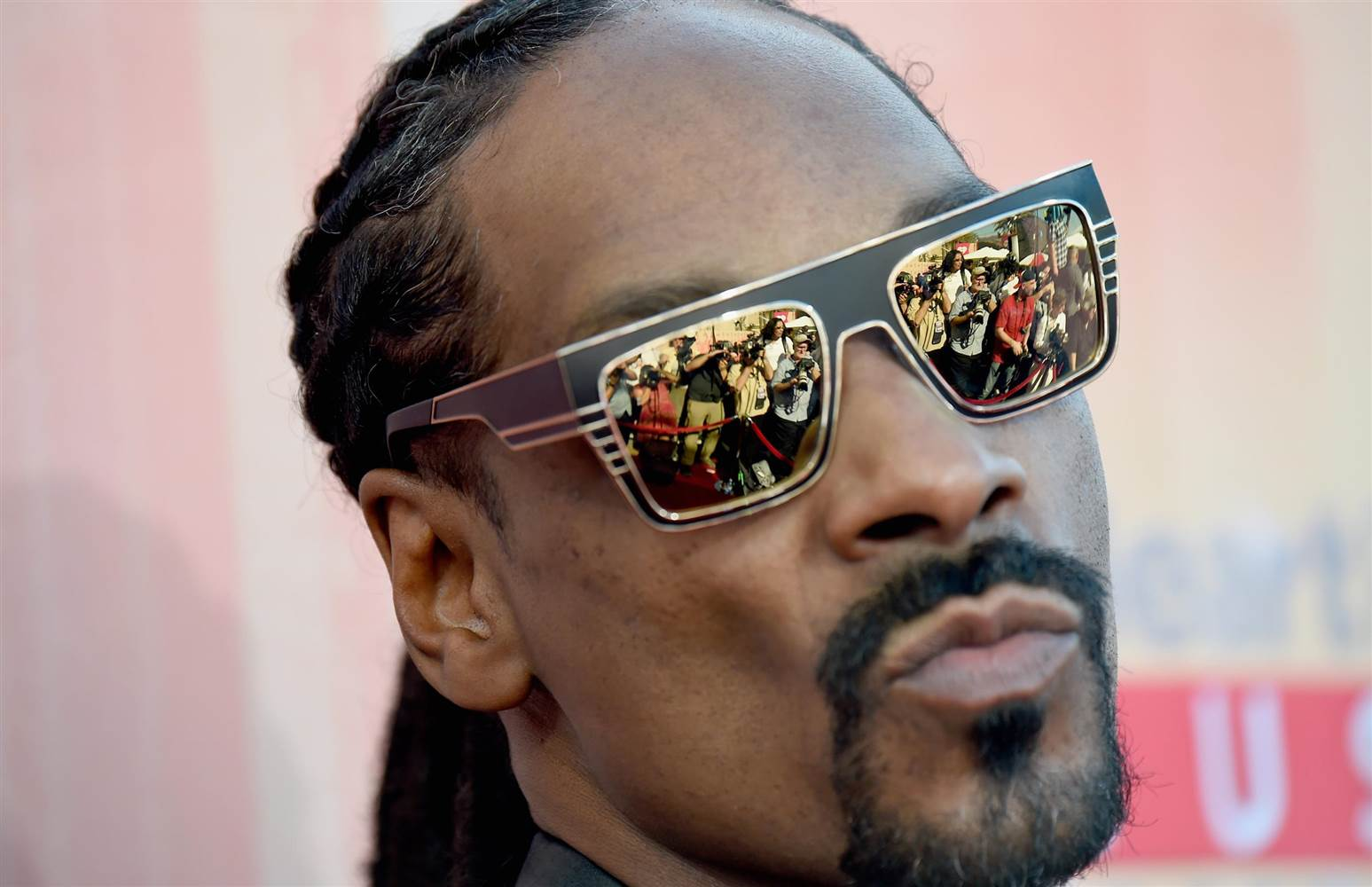 Stream Snoop Dogg's New Album 'Neva Left'