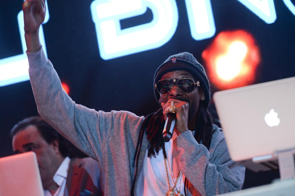 Snoop Dogg 'Neva Left' Track List