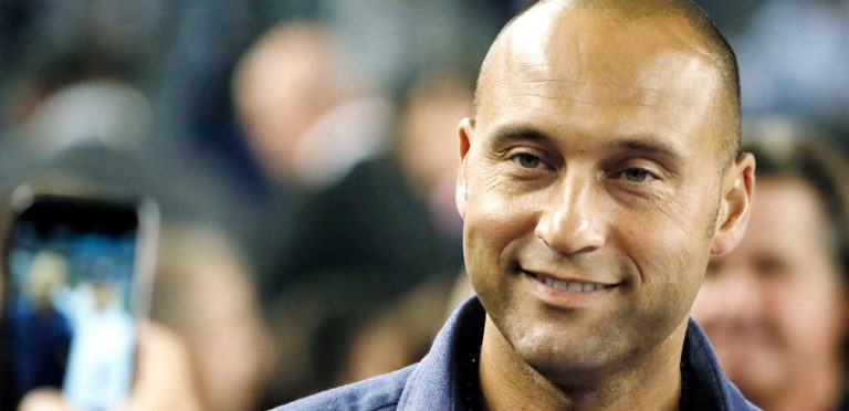 Miami Marlins Owner Jeffrey Loria Agrees to Sell Team to Derek Jeter's Ownership Group